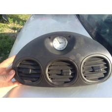 Grila ventilatie cu ceas Chrysler 300M 04760397AB
